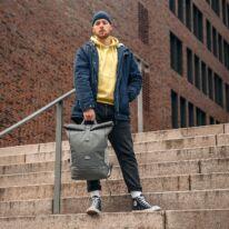 """""""ALLEN"""" újrahasznosított nagyméretű rolltop hátizsák, antracit, Johnny Urban"""